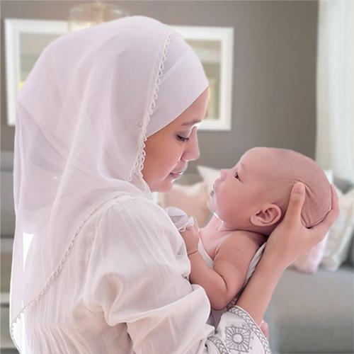 baby-moeder-hoofddoek